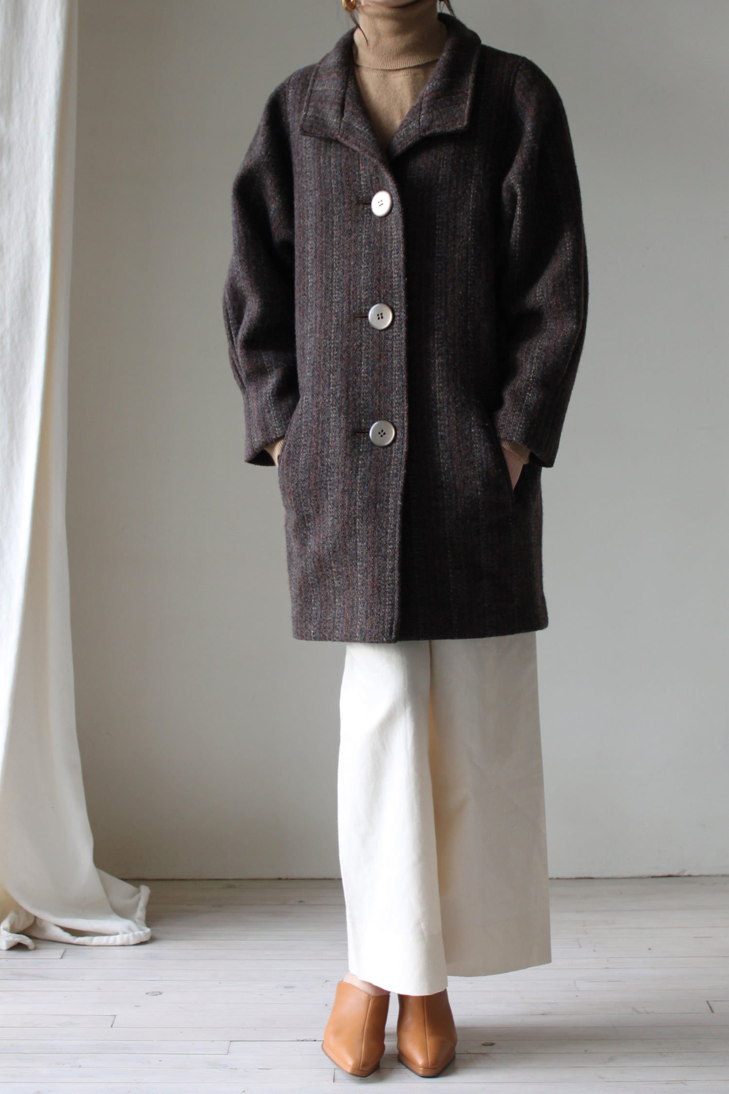 Image of 3 buttons coat