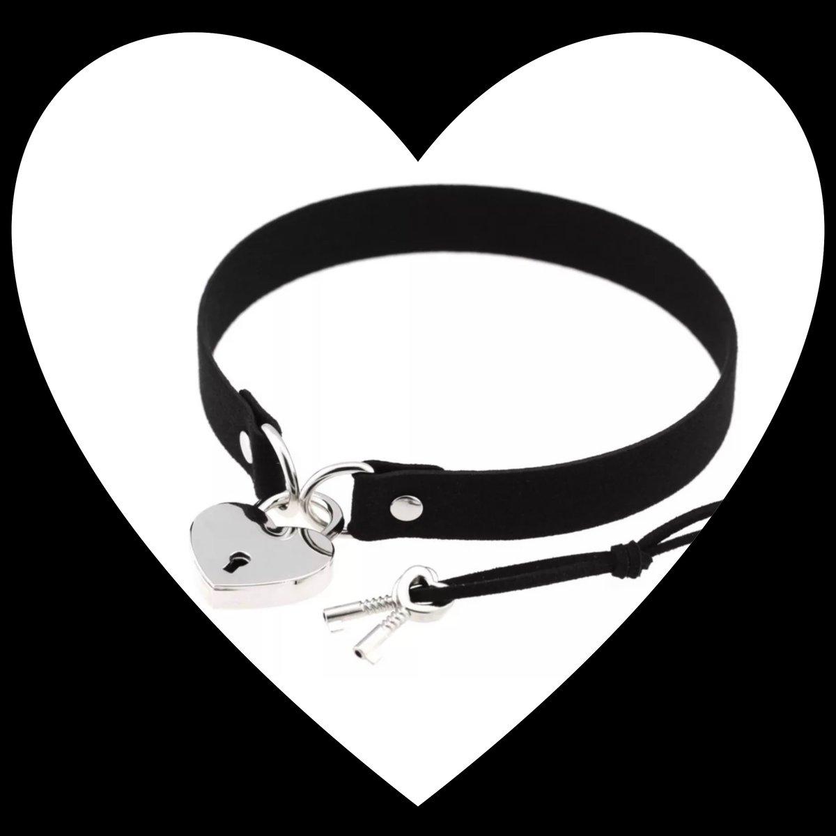 Image of Locking Heart Choker
