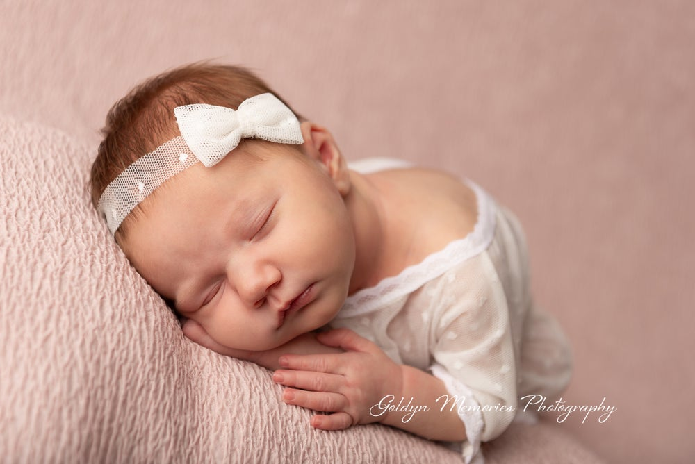 Image of 2020 Newborn Studio Session Non-Refundable Deposit