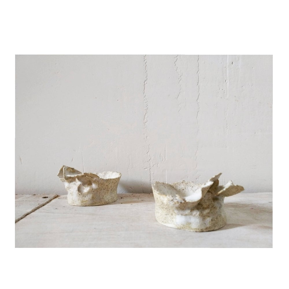 Image of p e l  low candleholder&incense burner | portavelas &incensario  p e l