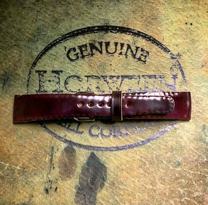 Image of N°8 SECRET STITCHING Horween Shell Cordovan watch strap
