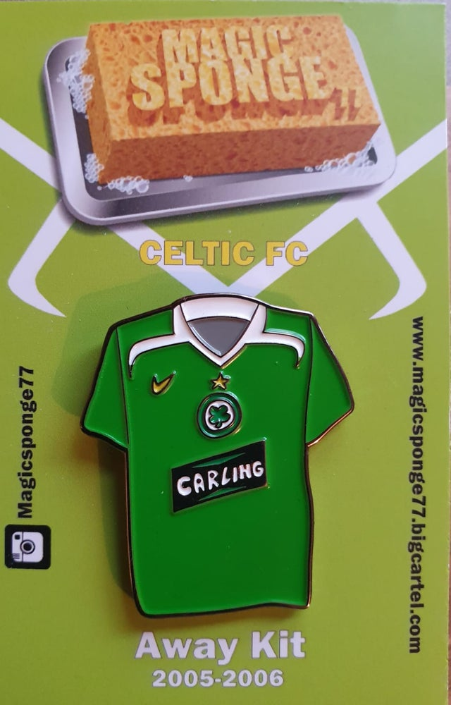 Image of Out Now Celtic FC Away Kit 2005-2006 Pin.