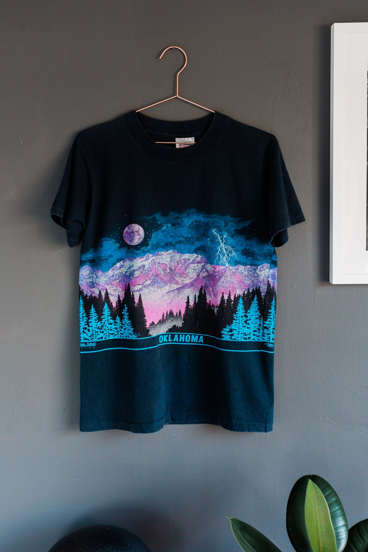Image of Vintage early 90's Oklahoma Mountains Shirt