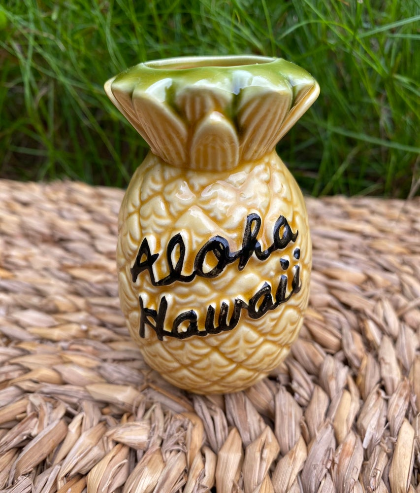 "Image of Vintage ""Aloha Hawaii"" Ceramic Pineapple"