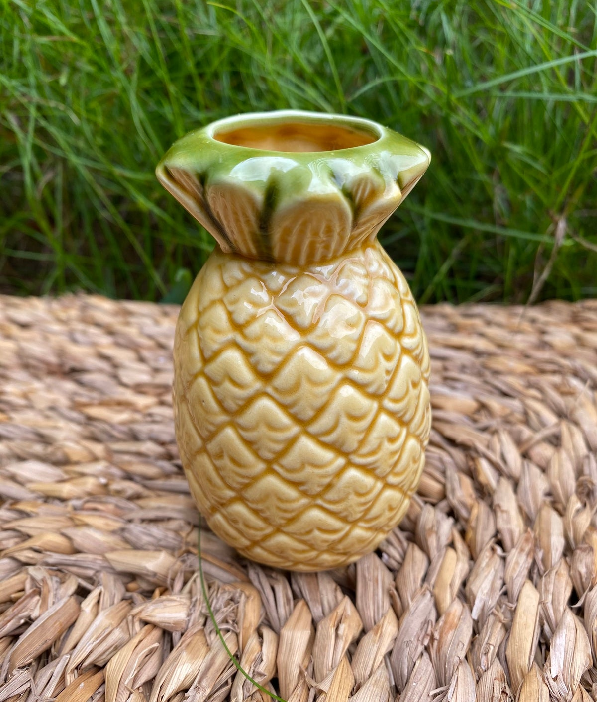 """Image of Vintage """"Aloha Hawaii"""" Ceramic Pineapple"""