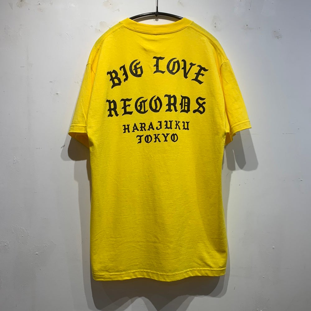 Image of BIG LOVE CLASSIC LOGO 2020 YELLOW SHORT T-SHIRT