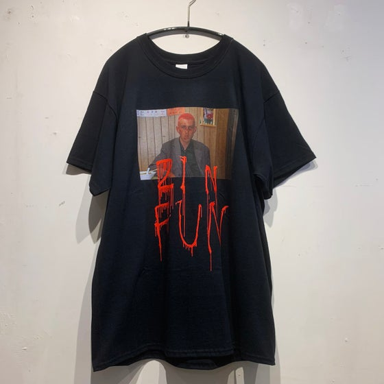 "Image of MAHNE FRAME ""21 N FUN"" -BLACK- T-SHIRT"