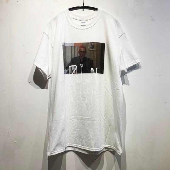 "Image of MAHNE FRAME ""21 N FUN"" -WHITE- T-SHIRT"
