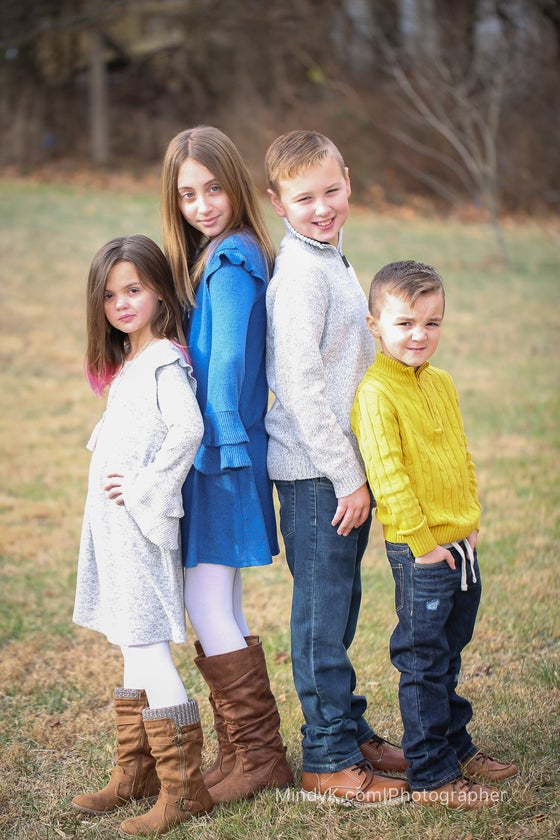 Image of FAMILY SESSION |  $400 INCLUDES HI RESOLUTION DIGITAL IMAGES