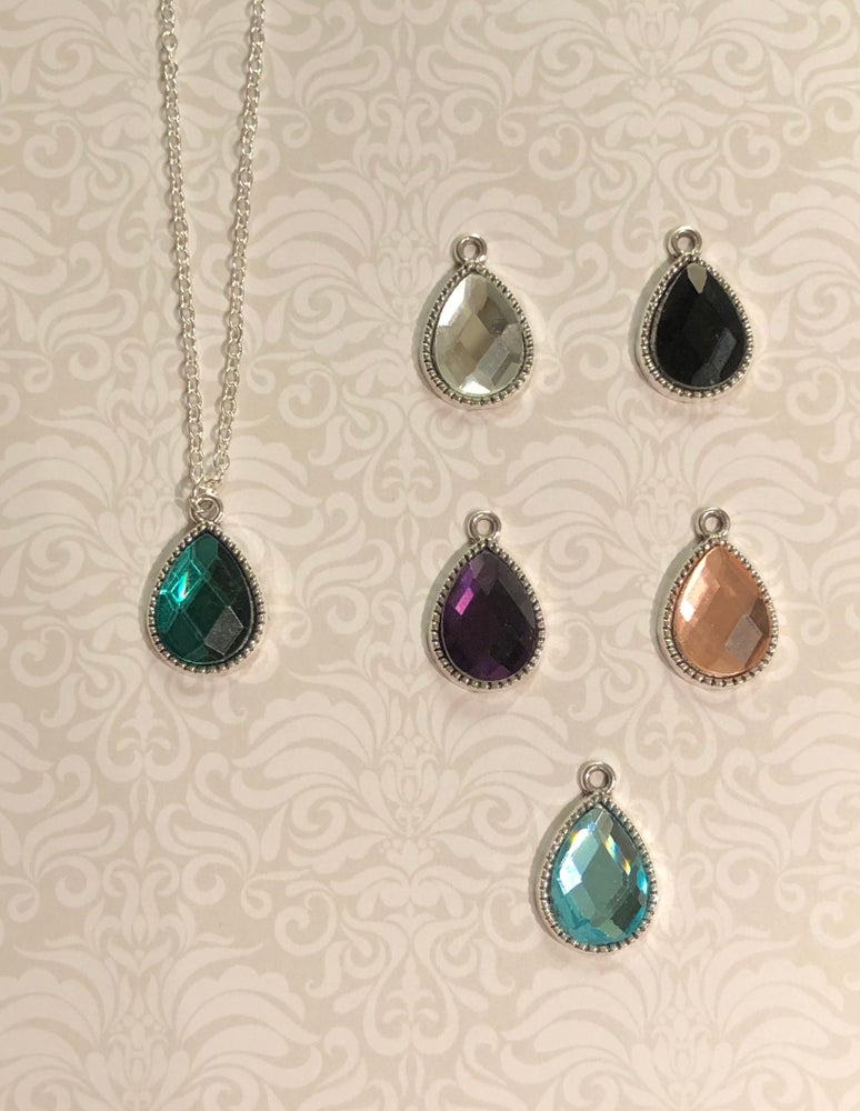 Image of Textured necklace collection