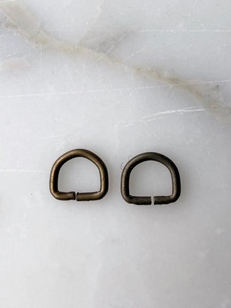 Image of D-ring - Gammel Messing