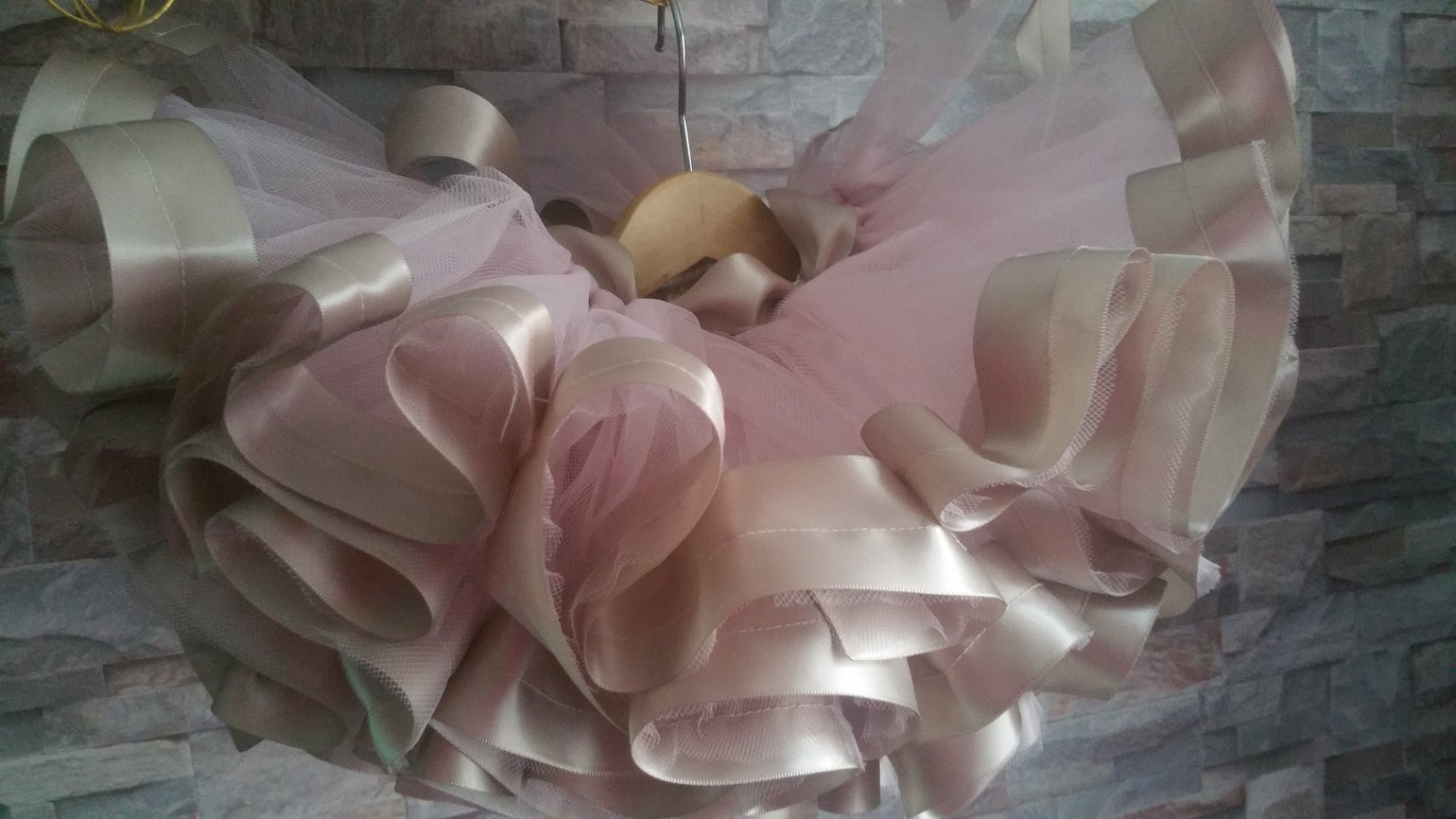 Image of Oyster & Taupe Ribbon Edge