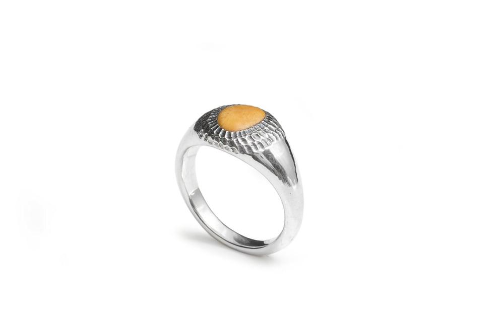 Image of Sokoa ring with stone