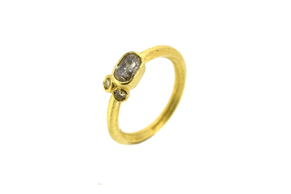 Image of 18ct Gold Diamond ring. hand made by Chris Boland