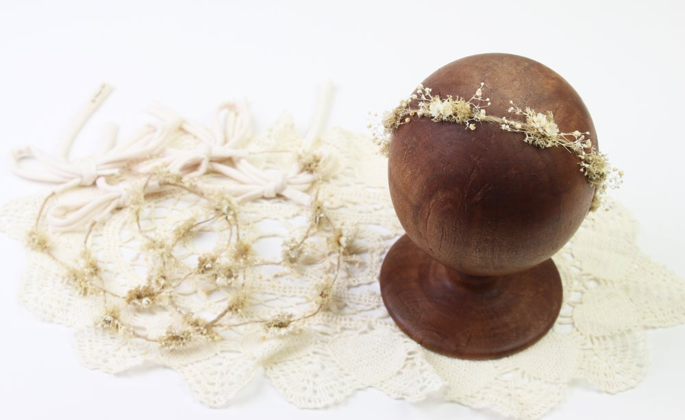 Image of Neutral Preserved Floral Halo/Tieback