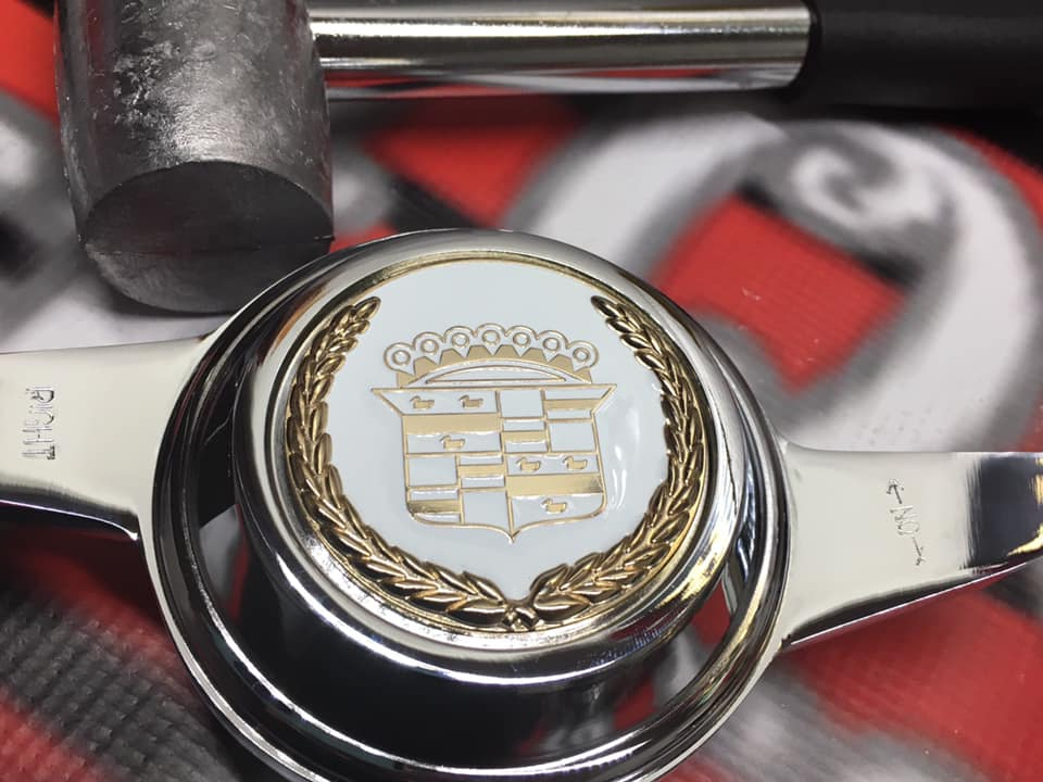Image of Cadillac White/gold Knock off spinner package