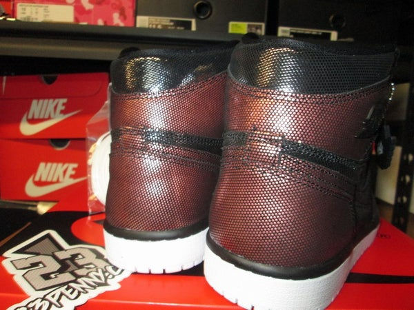 """Air Jordan I (1) Retro High """"Fearless"""" WMNS - areaGS - KIDS SIZE ONLY"""
