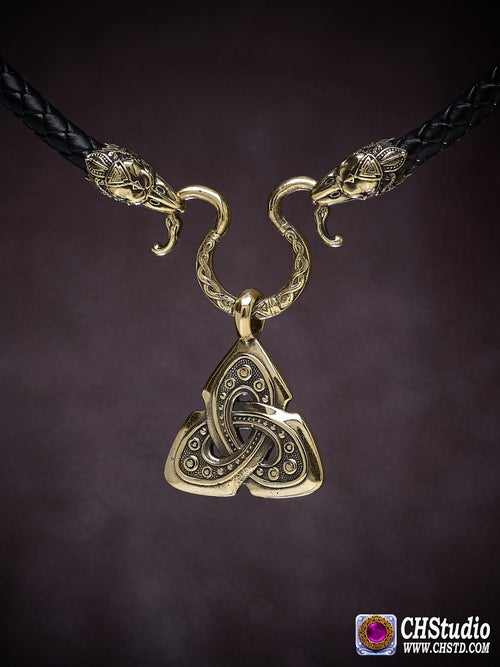 Image of Celtic Shield Knot : TRIQUETRA with Raven Heads Necklace