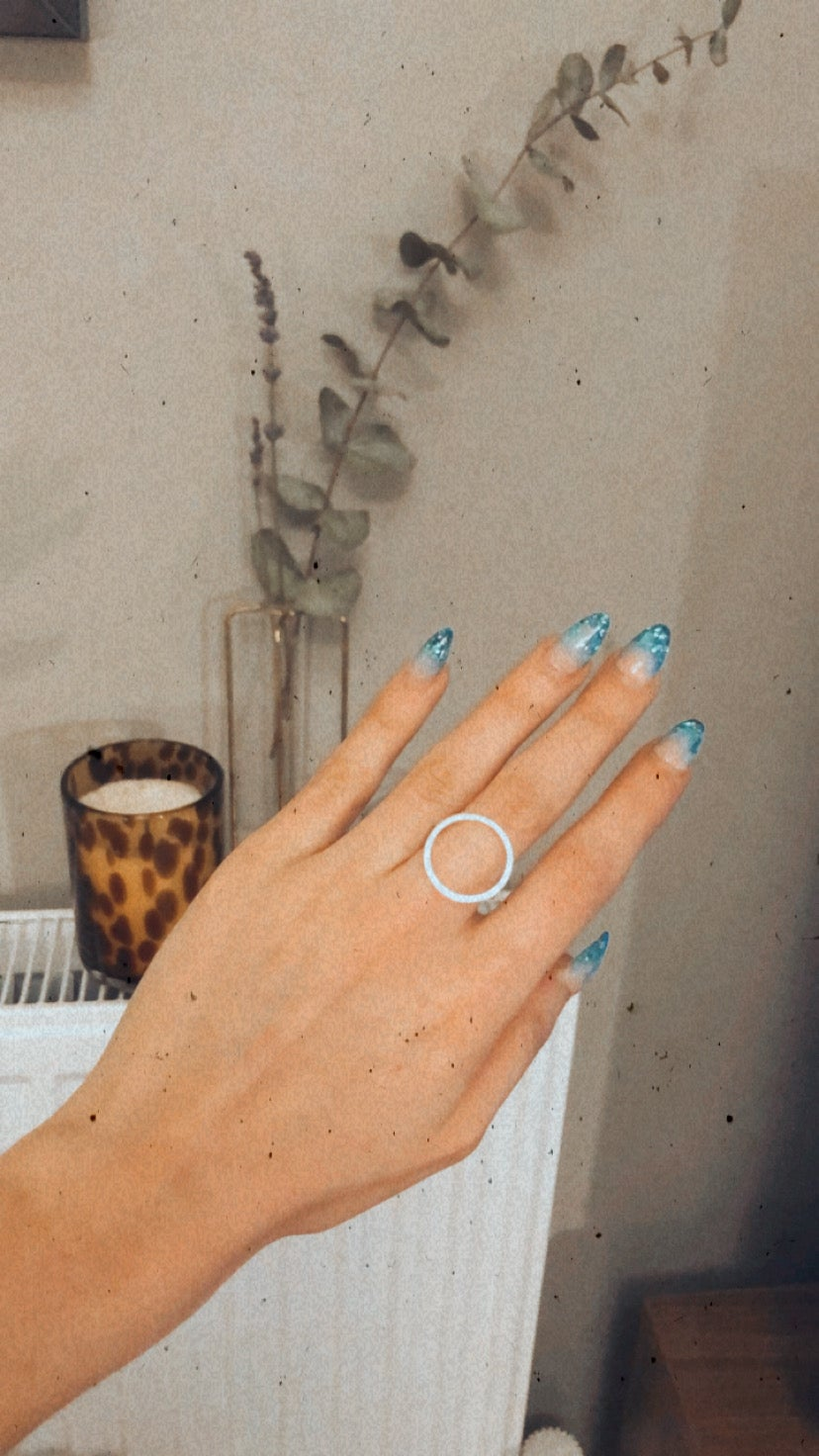 Image of Floating Circle Ring