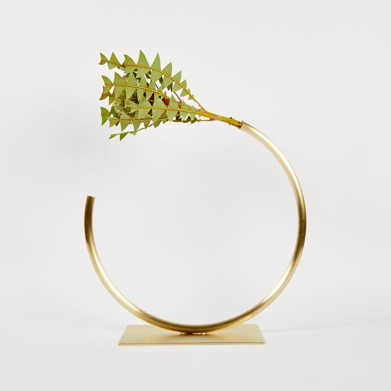 Image of Vase 1165 - Edging Over Vase (for fine/medium thickness flower stems)
