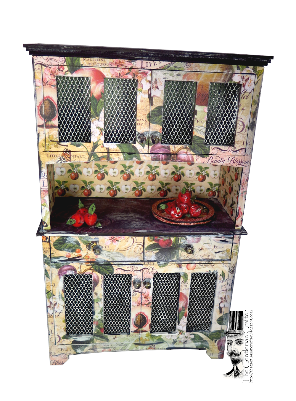 Image of Kitchen Hutch- With Paper Cut to Match