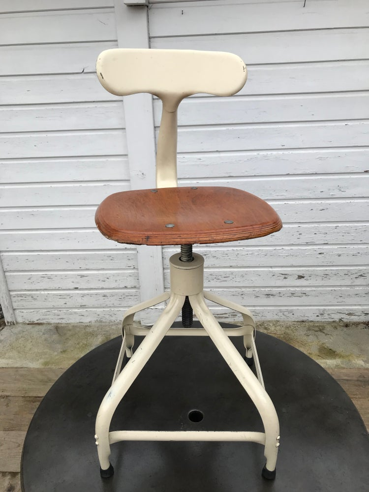 Image of Rarissime suite de 4 chaises Nicolle