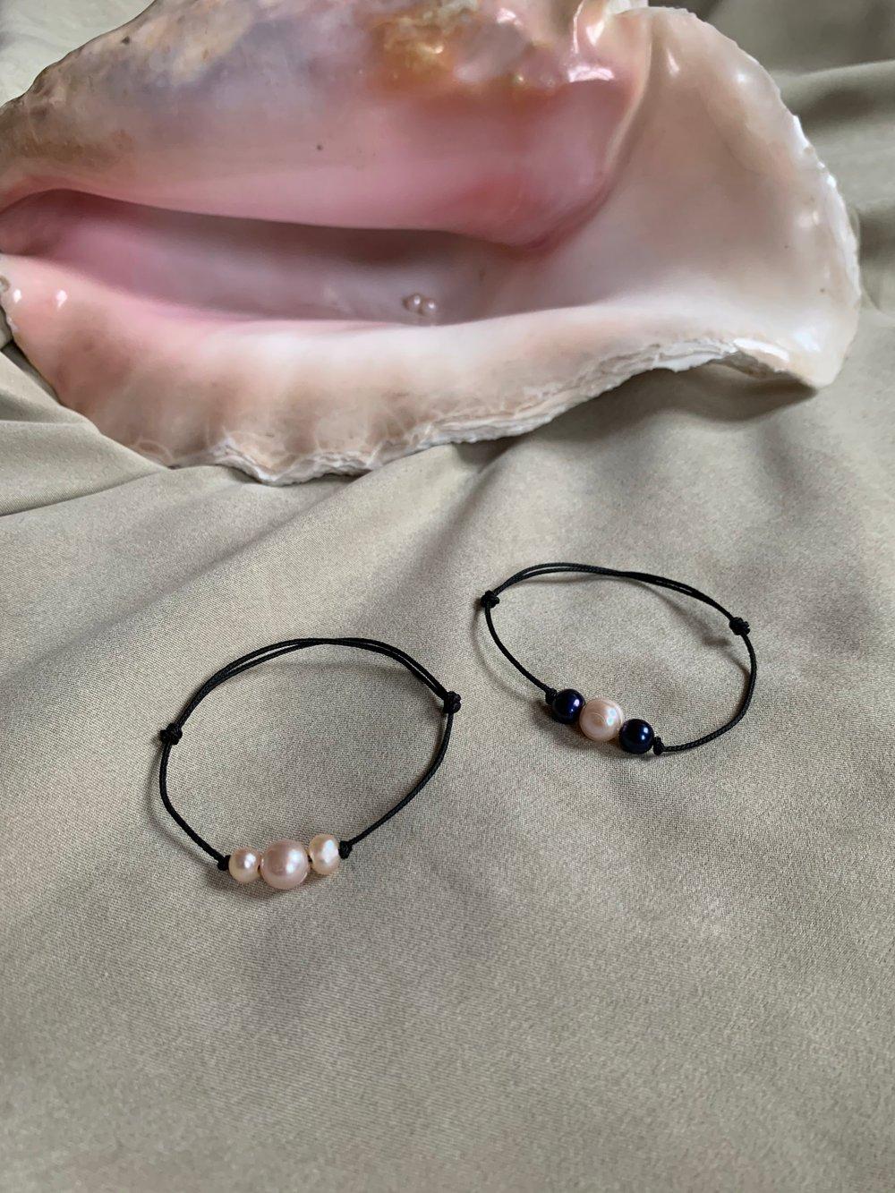 Image of Triple Perla Bracelet