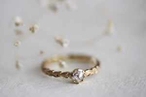 Image of 18ct gold, 3.9mm rose-cut diamond ring (IOW137)