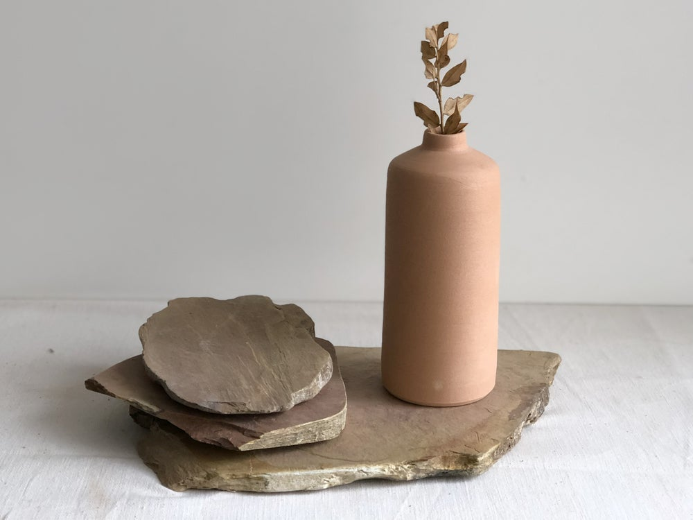 Image of Terracota bottle set with 3 schist bases