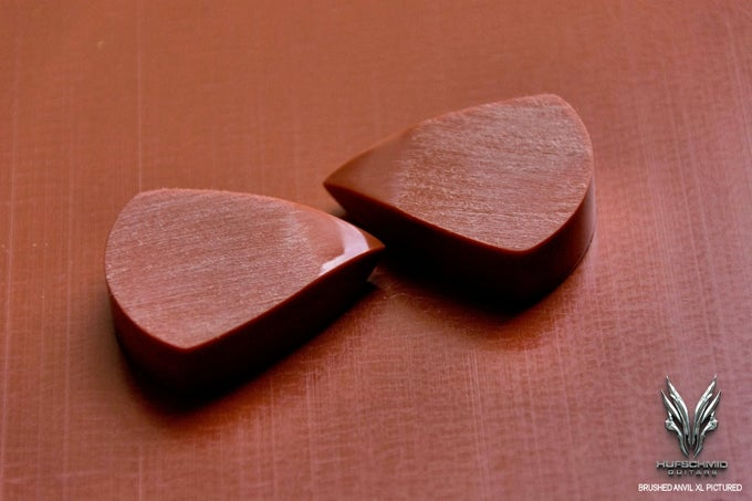 Image of The original 'RED HUFTRON' plectrum