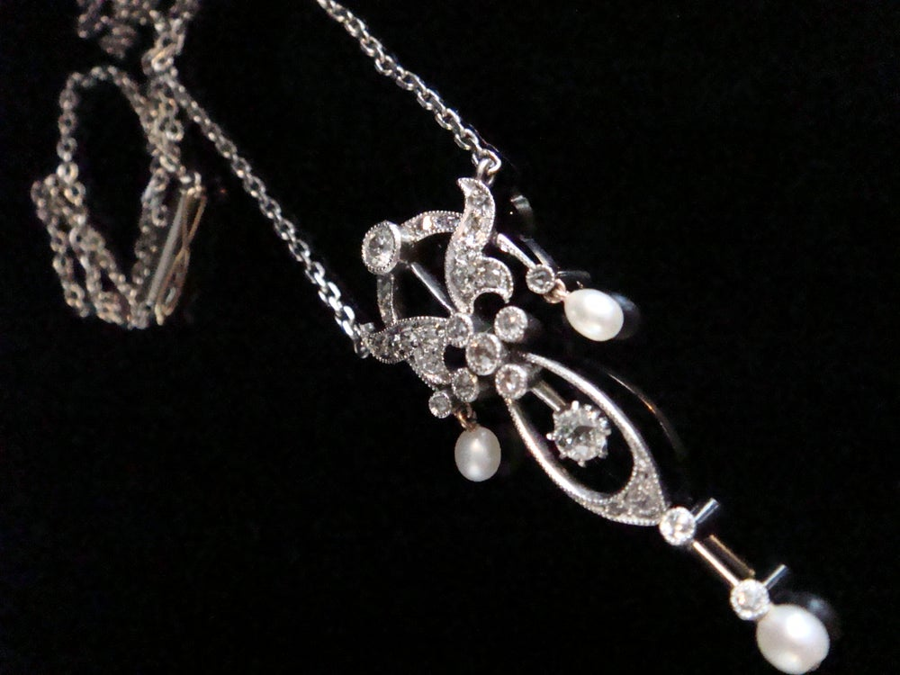 Image of Edwardian Platinum diamond and natural sea pearl necklace