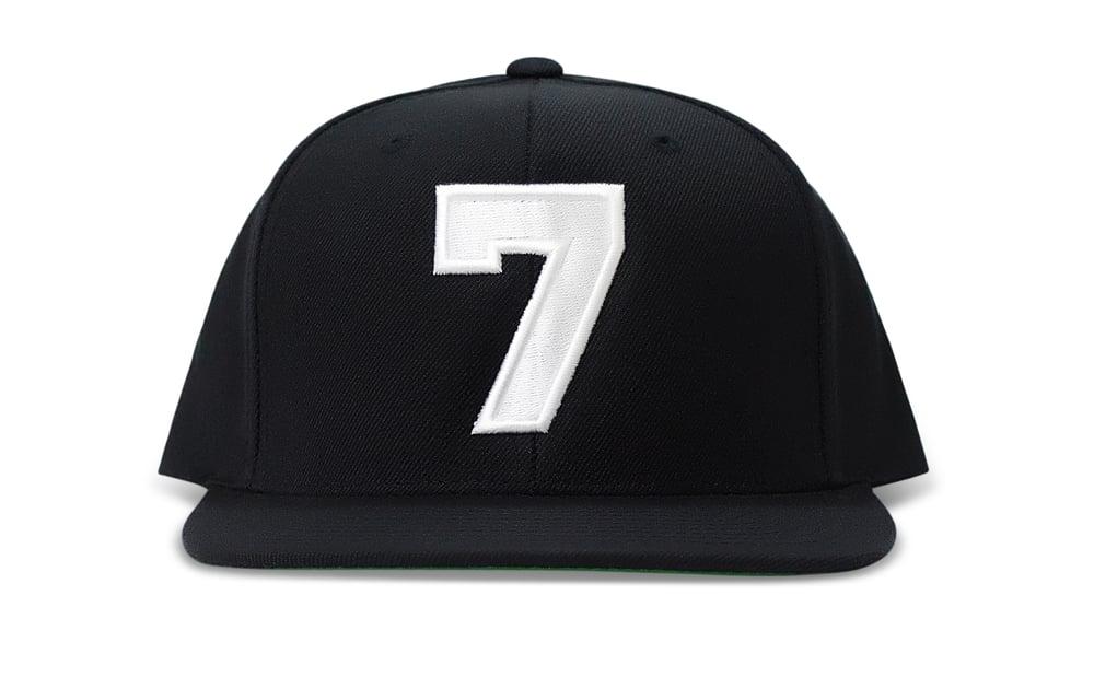 Image of SEVEN (BLACK/WHITE) - SNAPBACK