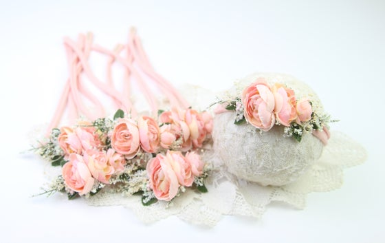 Image of Peachy/Pink Blooms Tieback
