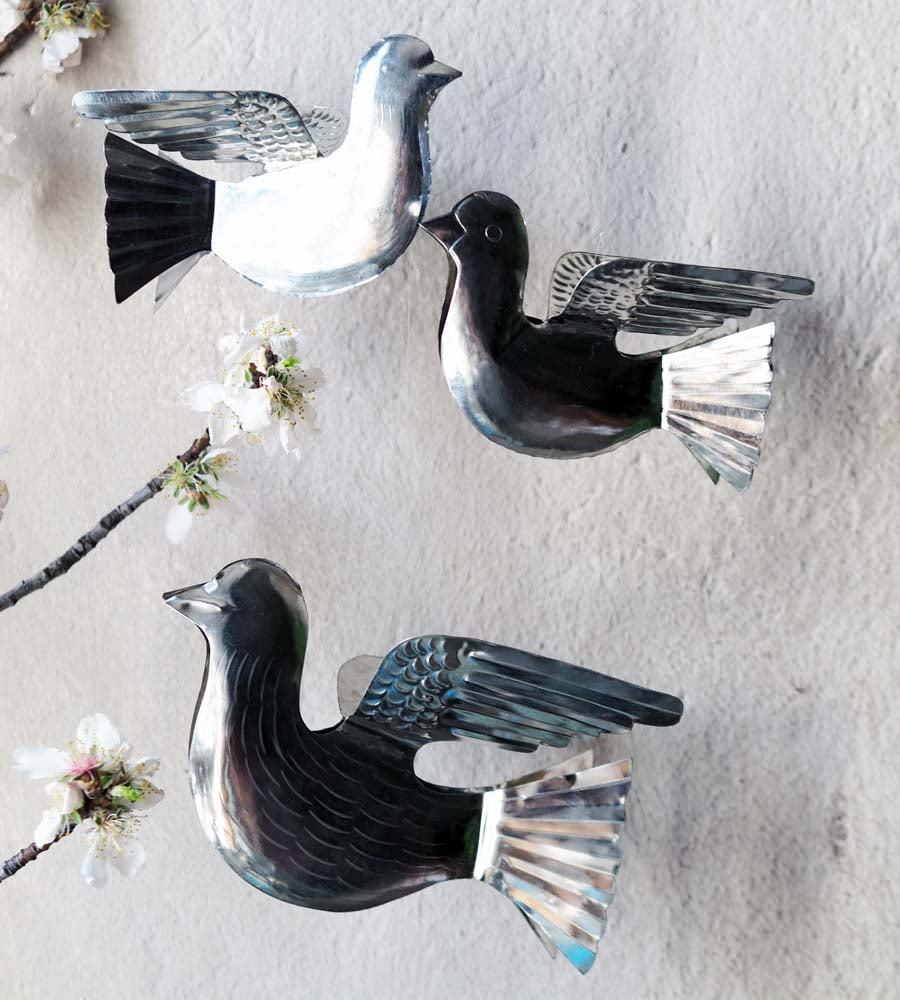 Image of Oiseaux à suspendre - Palomas en Fer Blanc