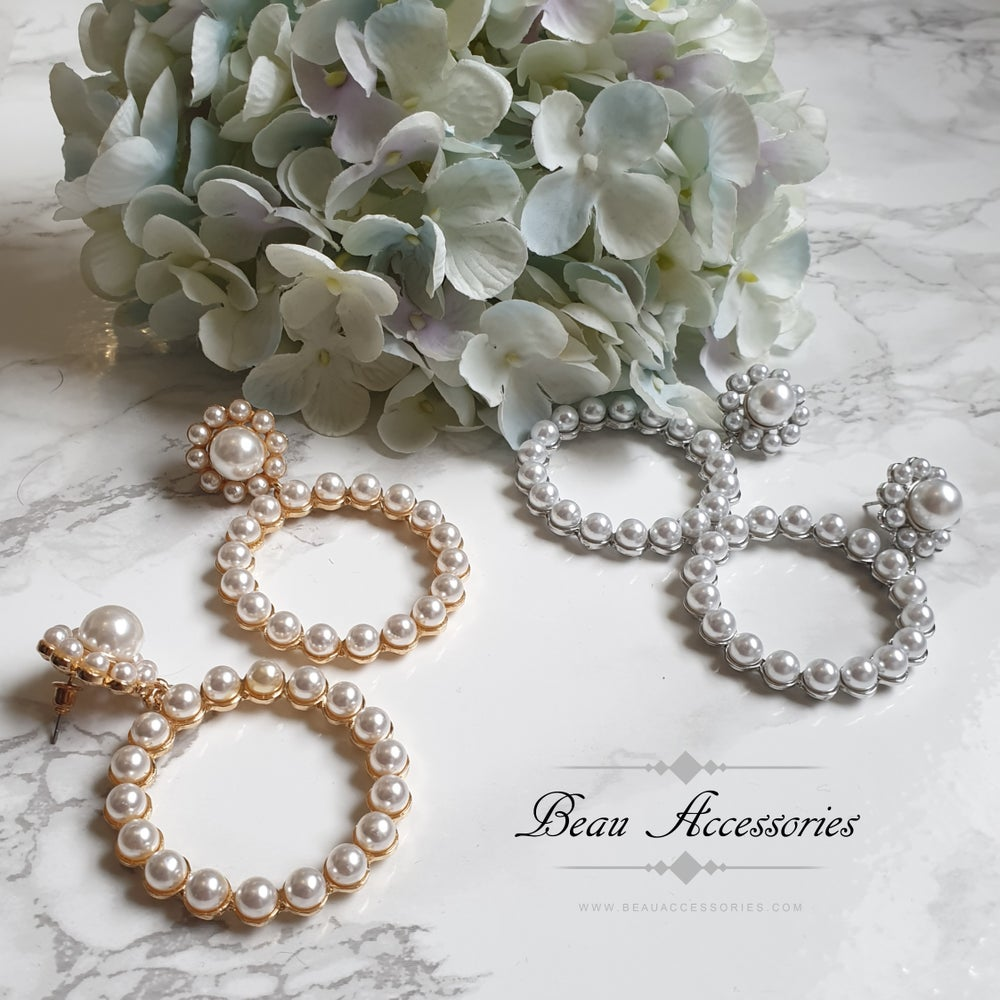 Image of Round Pearl Statement Earrings