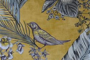 Image of Fauteuil 366 signé J.Chierowski jaune et oiseaux
