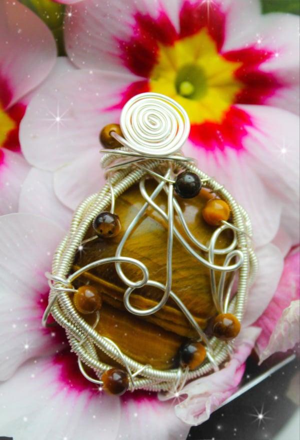 Image of tigers eye pendant