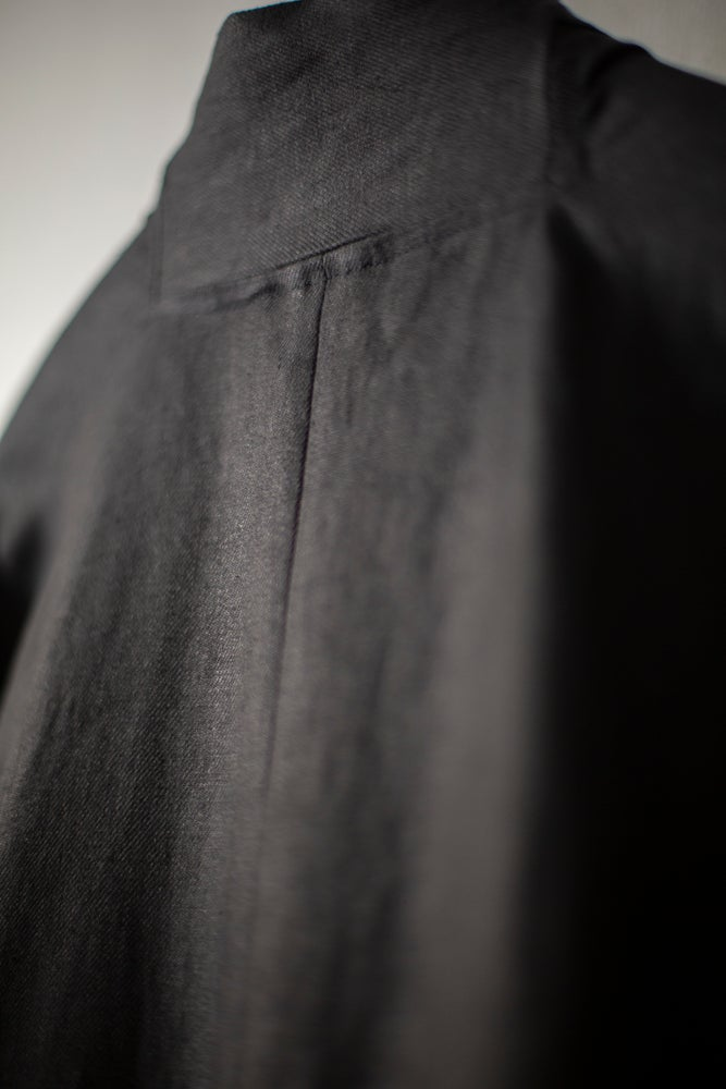 Image of COAT#23 - BLACK HEMP TWILL by Jan-Jan Van Essche