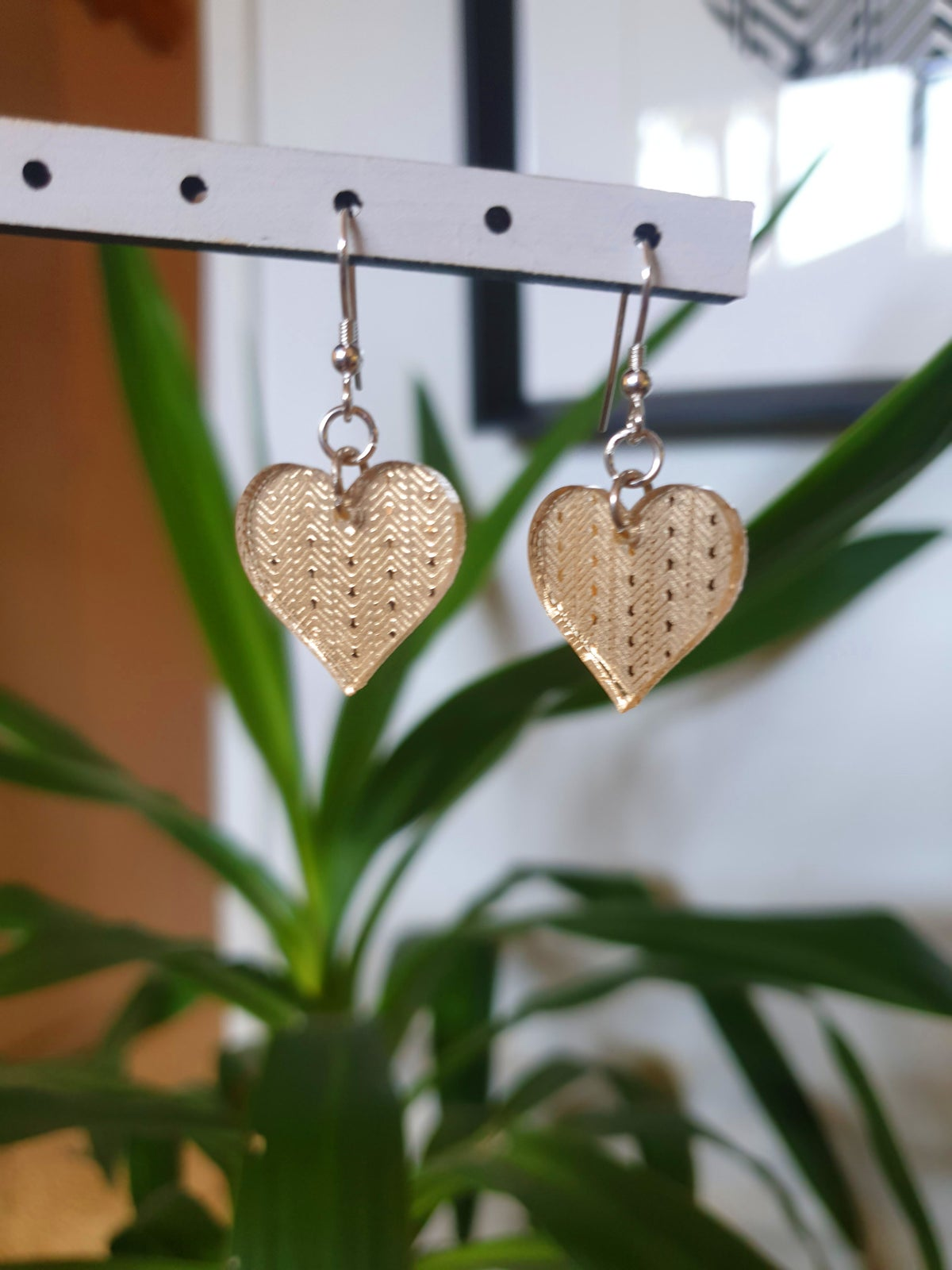 Image of Small Heart Drops in Gold