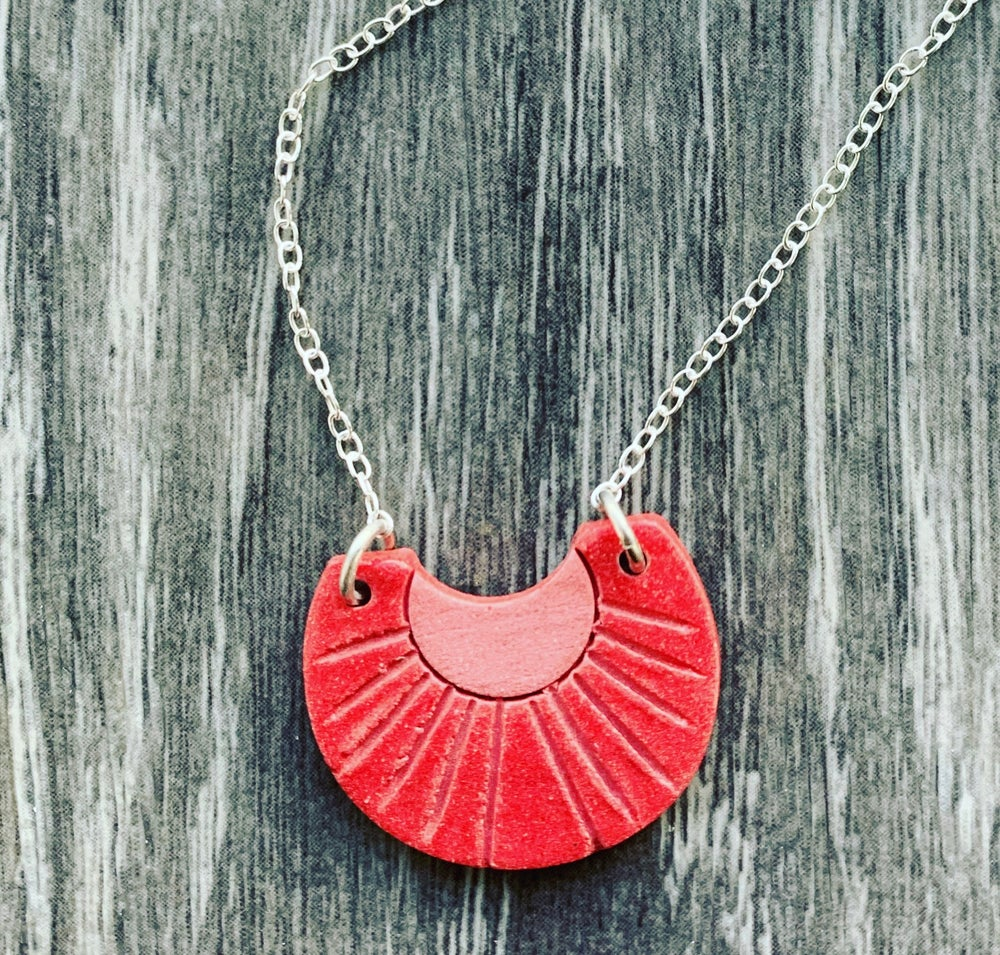 Image of Aromatic Sunburst Necklace