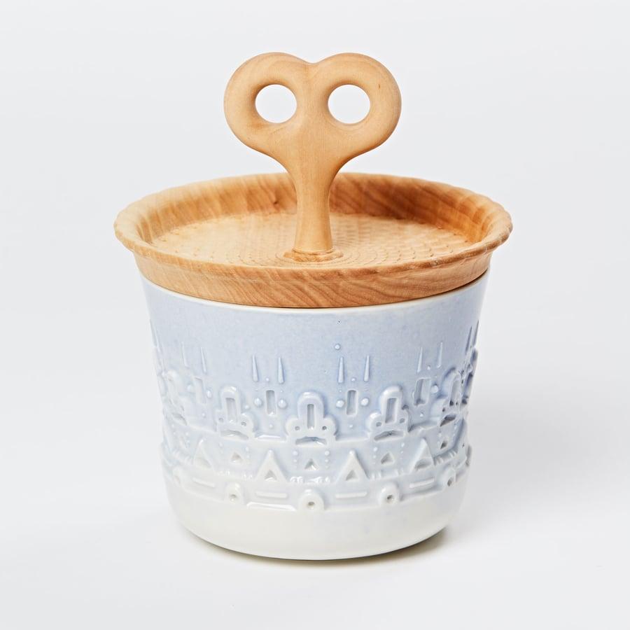 Image of manoa container pachakamaq