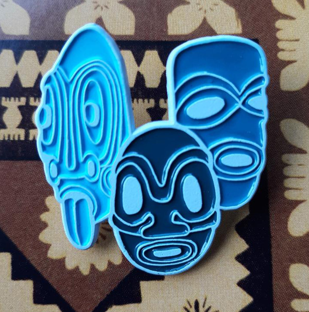 "MOD TIKI TRIO in Blue 1.5"" Enamel Pin"