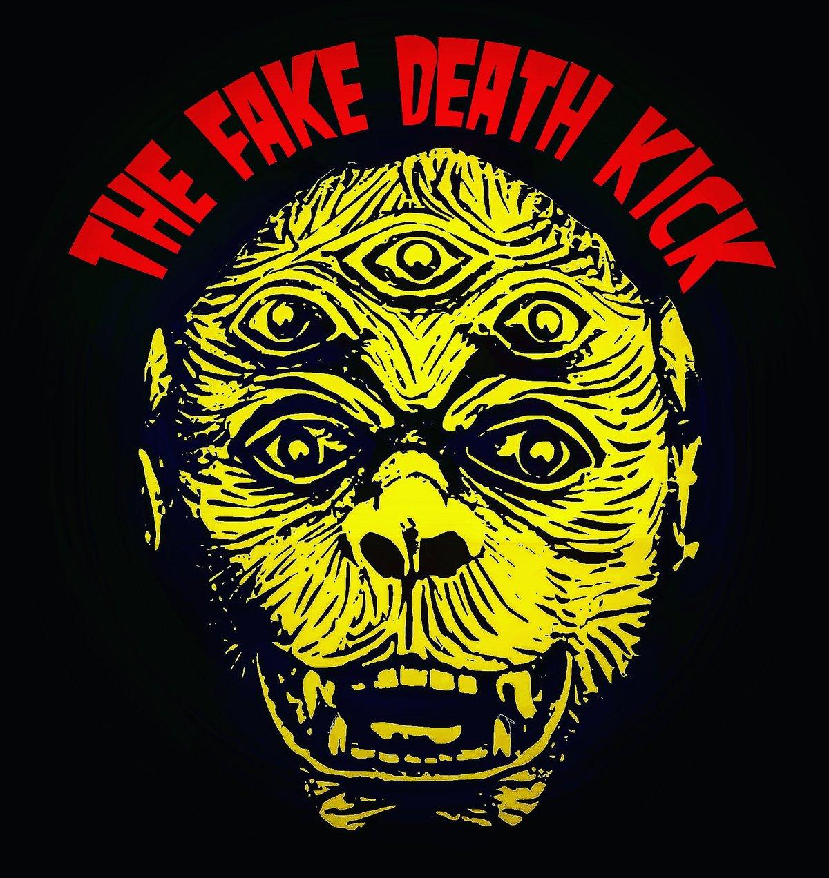 FAKE DEATH KICK TEE