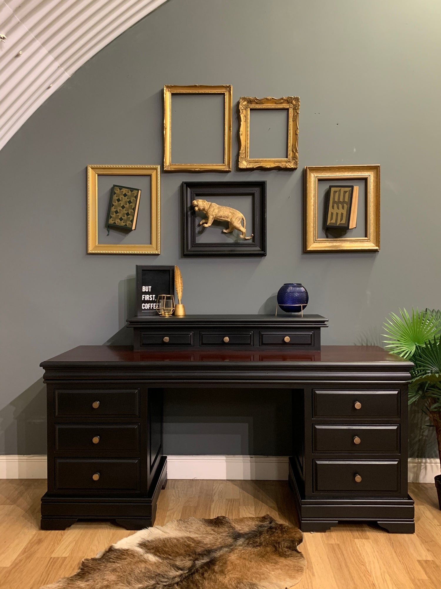 Image of Black and mahogany desk / dressing table