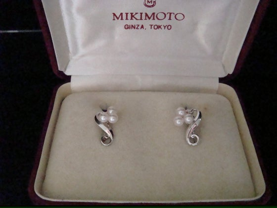 Image of ORIGINAL RETRO SILVE CULTURED PEARL MIKIMOTO SCREW EARRINGS