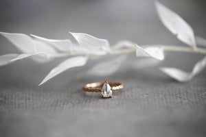 Image of 18ct rose gold, pear shape white diamond ring (IOW136)