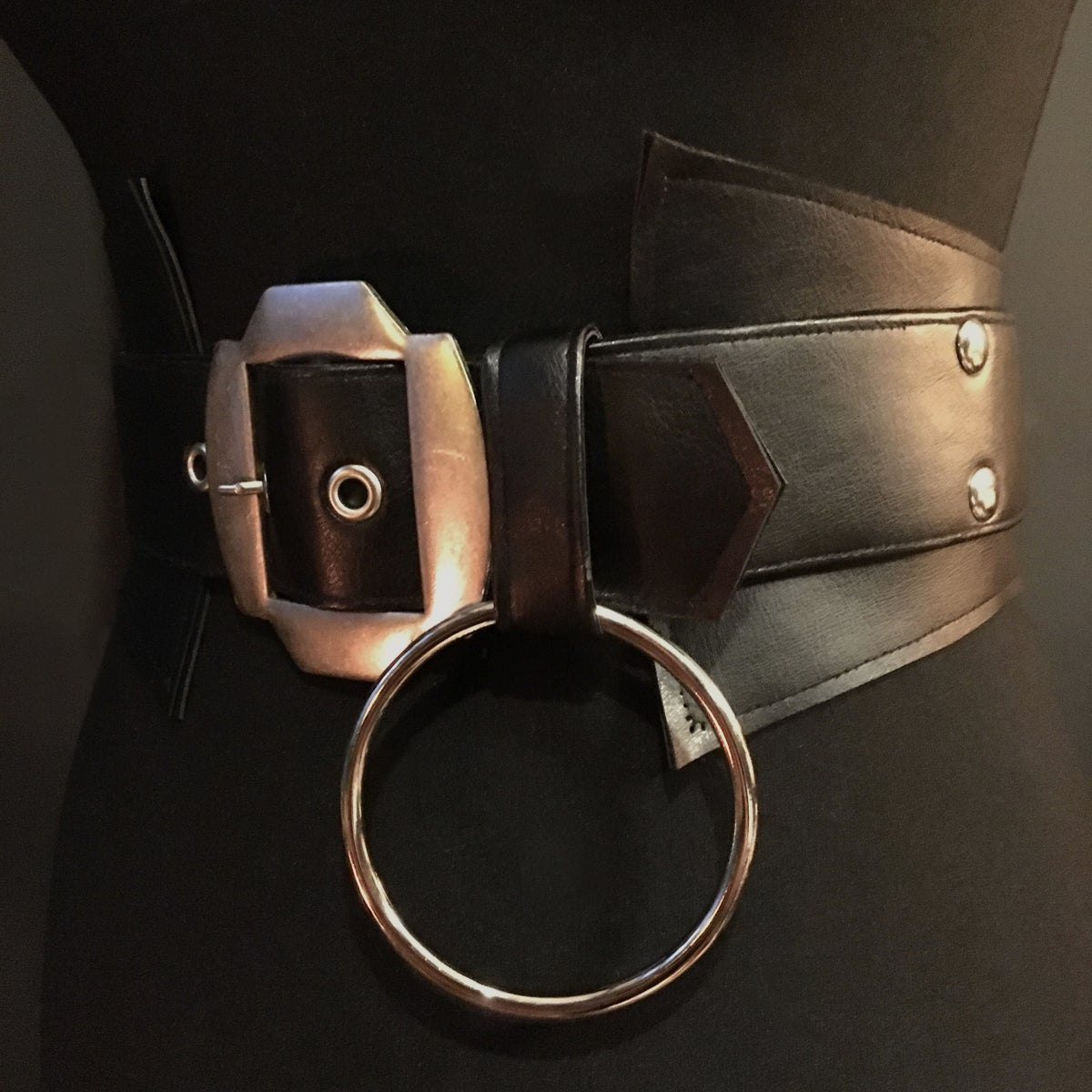 Vegan leather sincher with vintage buckle and o ring