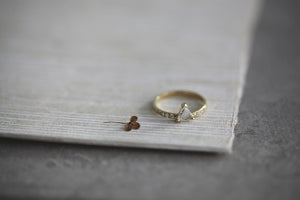 Image of 18ct gold, triangle rose cut diamond ring (IOW123)