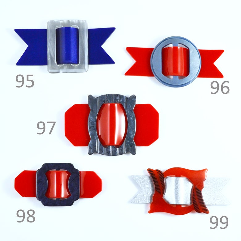 Image of Buckle brooches 95 to 99