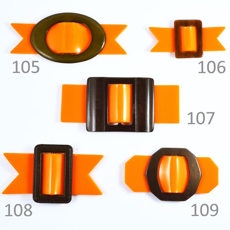 Image of Buckle brooches 105 to 109